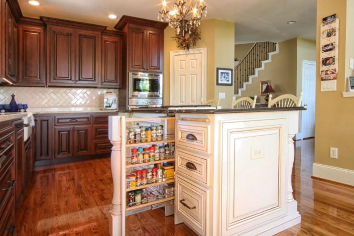 pull out spice rack,traditional kitchen,cup drawer pulls,two tone kitchen ideas