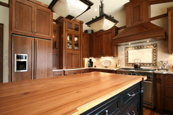shaker style cabinets,craftsman,custom cabinets,paneled appliances,