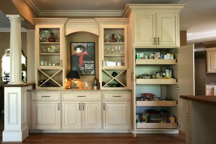 dry bar,wine storage,pull out drawers,pantry ideas