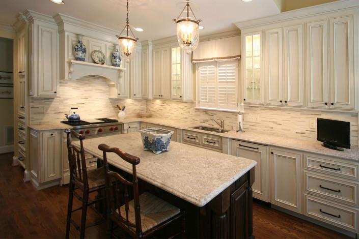 white kitchen, eat in kitchen,glass front cabinets,classic style