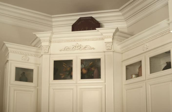 traditional,cabinetry,crown molding,glass doors,egg and dart trim