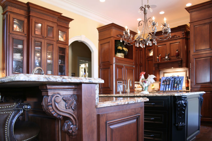 kitchen,island,decorative details,corbels,traditional style