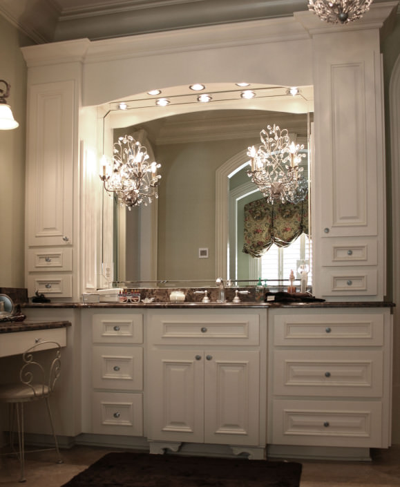 Bathroom,white,vanity,custom storage,traditional