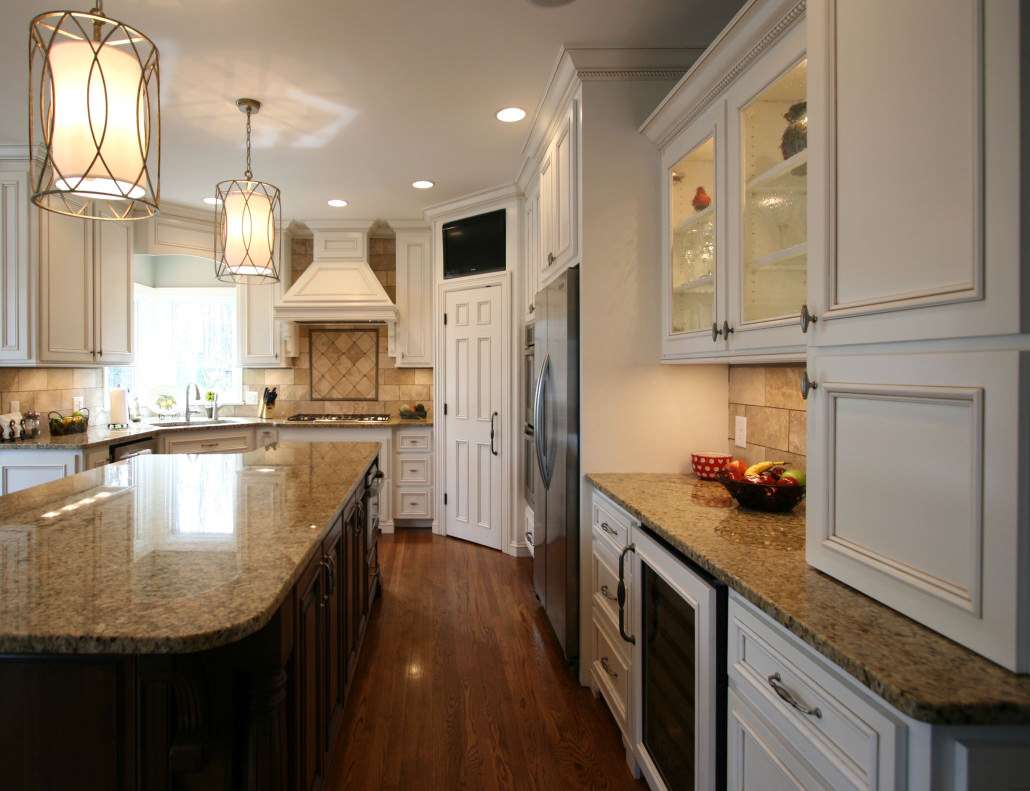 kitchen,display shelves,wine fridge,decorative details,transitional style,ideas