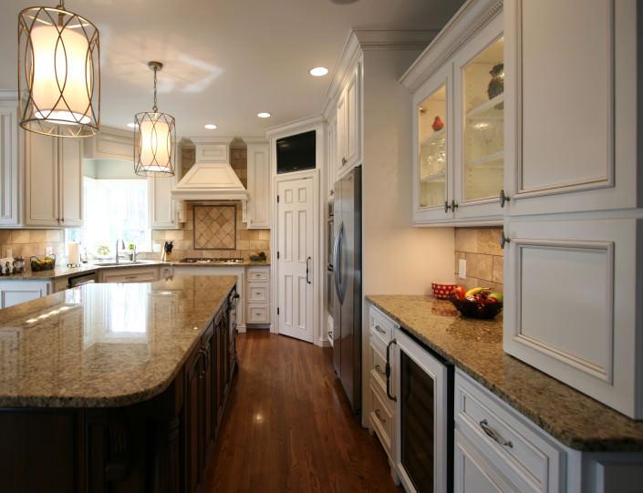 kitchen,display shelves,wine fridge,decorative details,transitional style,ideas