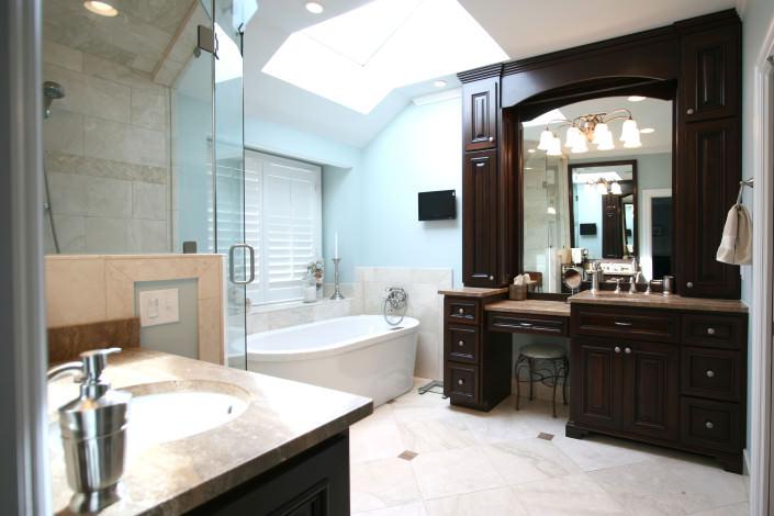 bathroom,double vanity,makeup mirror,transitional style,ideas